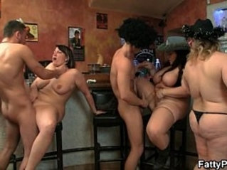 Three fat chicks in group orgy