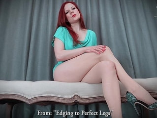 Edging to perfect legs in stockings