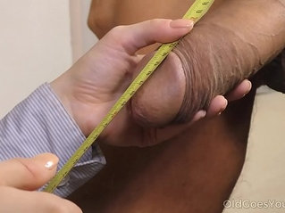 Old Goes Young Well hung stud cums over a petite brunette